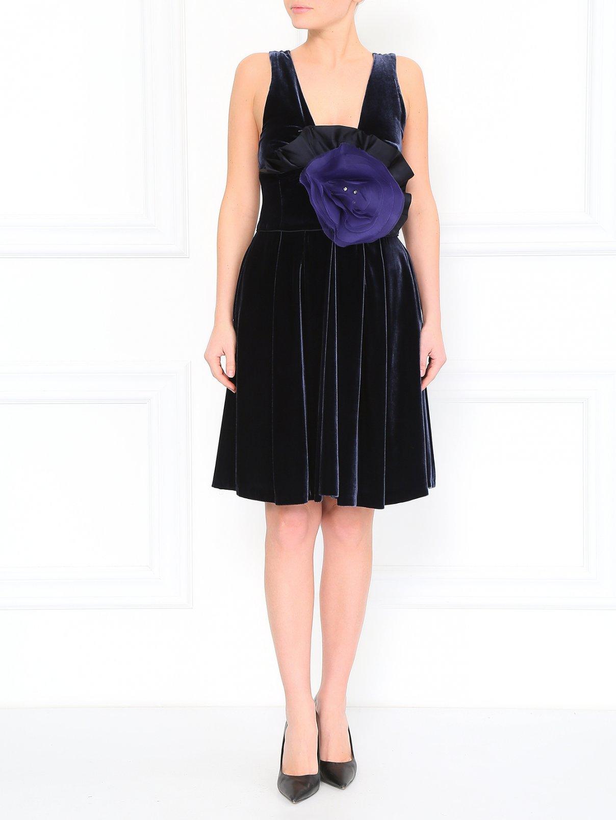 Вельветовое мини-платье Emporio Armani  –  Модель Общий вид