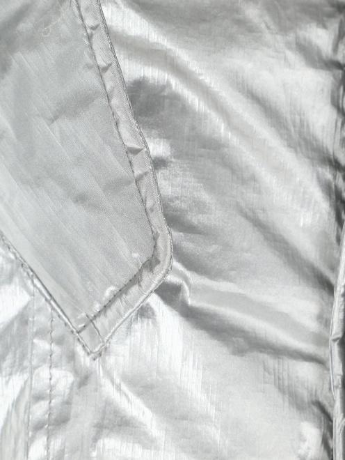 Куртка удлиненная с капюшоном с меховой отделкой - Деталь