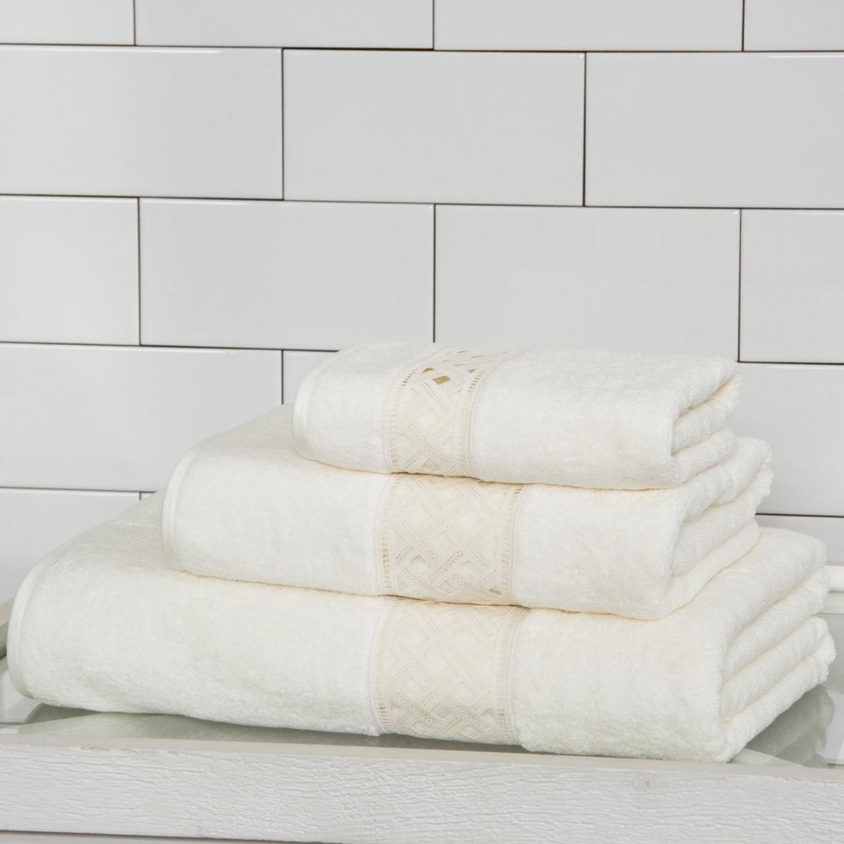 Полотенце из хлопковой махровой ткани с кружевной вставкой 40 x 60 Frette  –  Общий вид